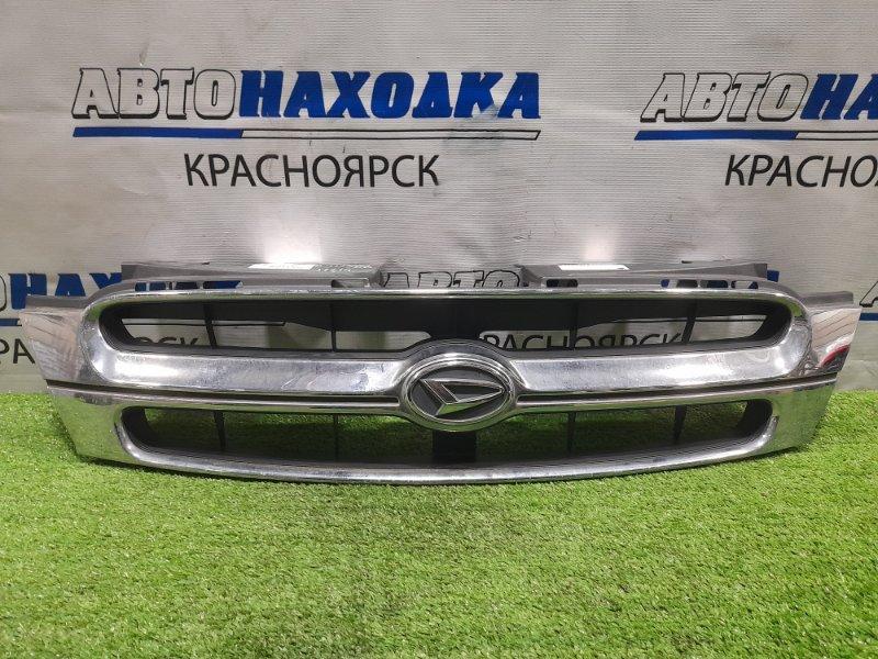 Решетка радиатора Daihatsu Terios Kid J111G EF-DEM 2000 рестайлинг, дефект хрома (облазит)