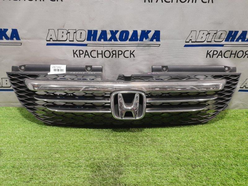 Решетка радиатора Honda Odyssey RB1 K24A 2003 дорестайлинг, дефект хрома (облазит) дефект
