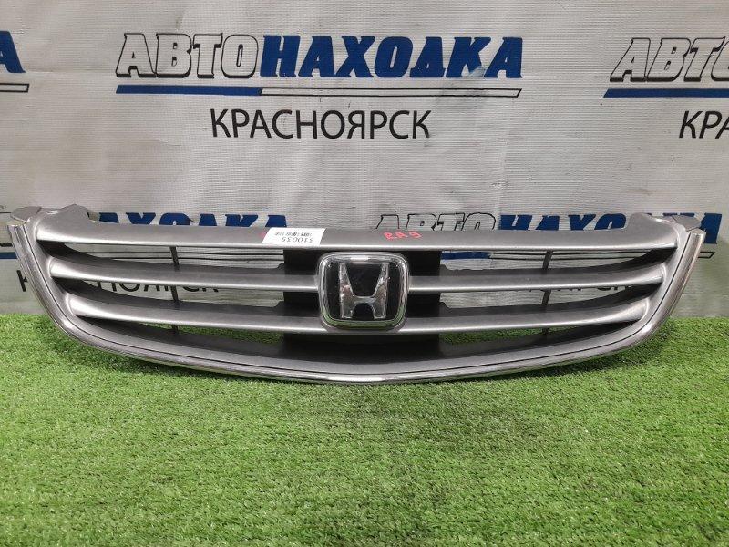 Решетка радиатора Honda Odyssey RA9 J30A 1999 серая, дефект хрома на значке, подломаны 2