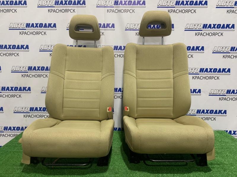 Сиденья Honda Civic FD1 R18A 2005 передняя передние, бежевая ткань, механические регулировки,