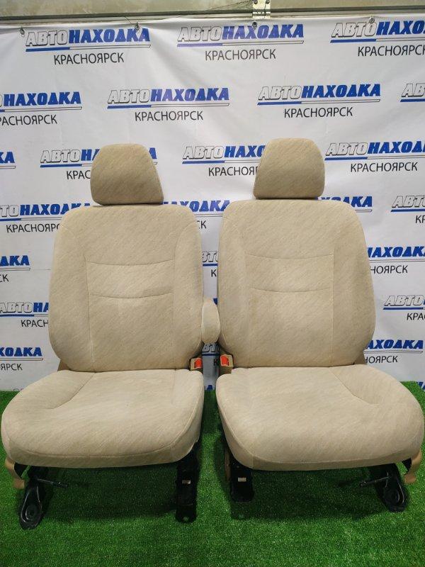 Сиденья Honda Fit Aria GD8 L15A 2002 передняя Передние, пара, с механическими регулировками,