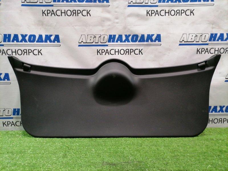 Обшивка багажника Nissan March AK12 CR12DE 2007 задняя обшивка пятой двери
