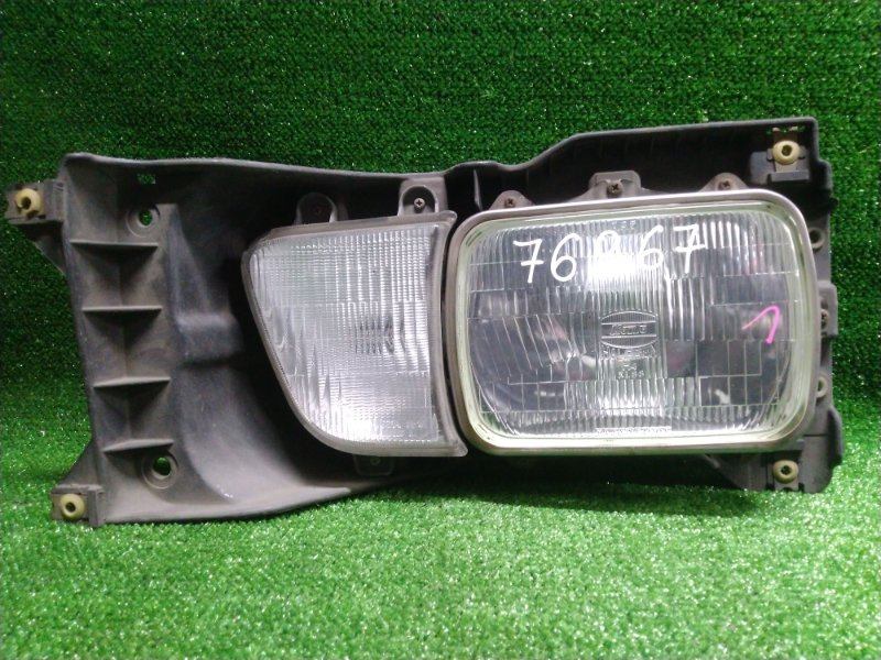 Фара Toyota Townace CR36V 2C-T передняя левая 28.79(поворотник) лампа фара с очком и поворотником