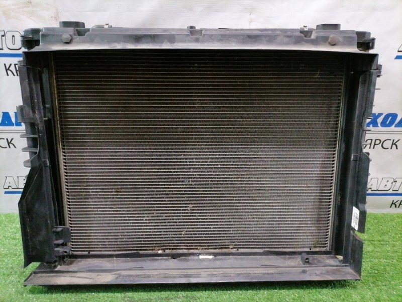 Радиатор двигателя Bmw 530I E60 N52B30 2003 с диффузором и вентилятором.