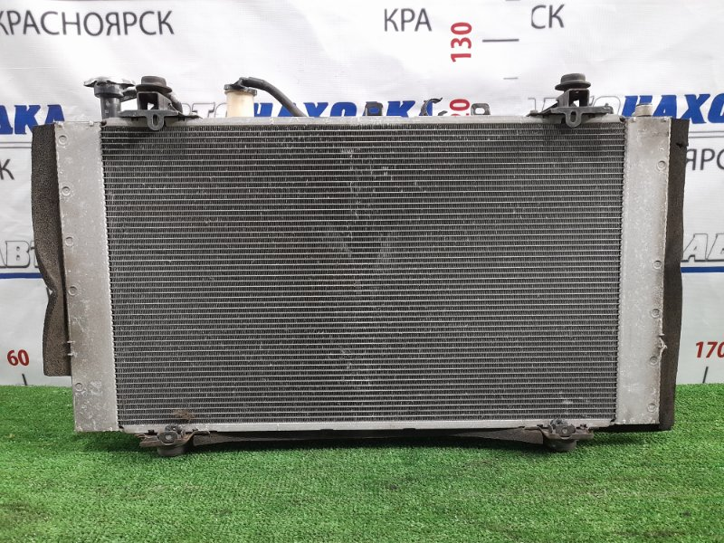 Радиатор двигателя Toyota Prius NHW20 1NZ-FXE 2005 В сборе с диффузором, вентиляторами, бачком