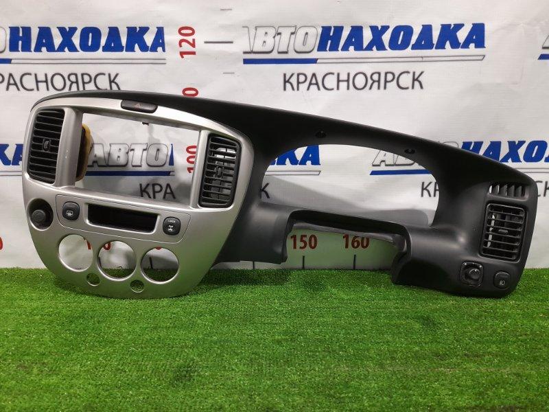 Консоль магнитофона Mazda Tribute EPFW AJ 2000 С дефлекторами, кнопками. Есть царапинки.