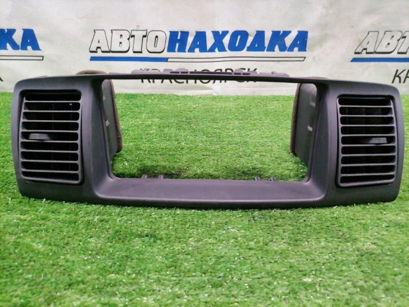 Консоль магнитофона Toyota Corolla Runx NZE121 1NZ-FE 2002 с дефлекторами обдува,