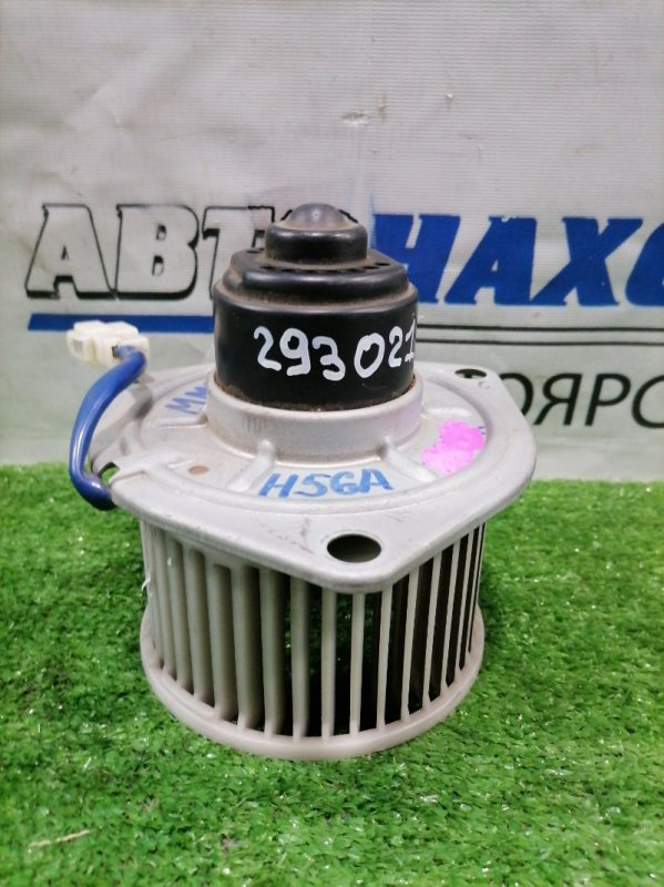 Мотор печки Mitsubishi Pajero Mini H56A 4A30 1994 2 контакта. Правый руль