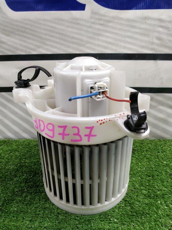 Мотор печки Nissan Dayz B21W 3B20 2013 2 контакта с фишкой, Дефект одного крепления. Правый