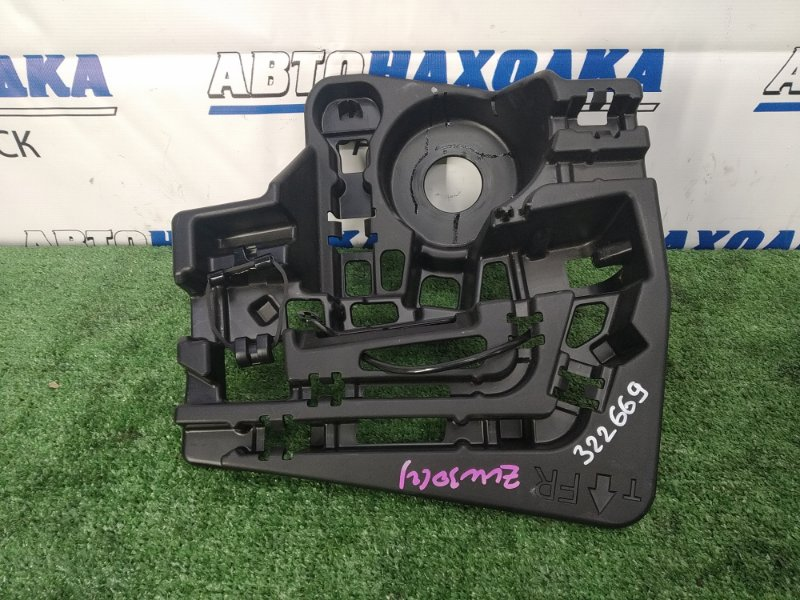 Бокс под инструменты Toyota Prius ZVW30 2ZR-FXE 2009 штатная пластиковая емкость под
