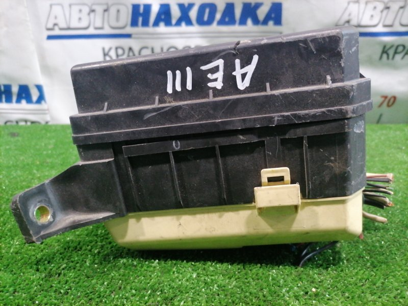 Блок предохранителей Toyota Corolla Spacio AE111N 4A-FE 1999 подкапотный, в сборе.