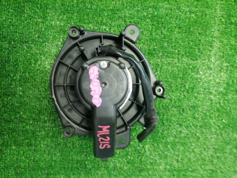 Мотор печки Nissan Roox ML21S K6A 2009 51151-47280 2 контакта с фишкой. Правый руль.