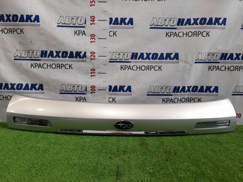 Накладка багажника Subaru Legacy BP5 EJ20 2003 накладка на пятую дверь с фонарями (132-20791 и