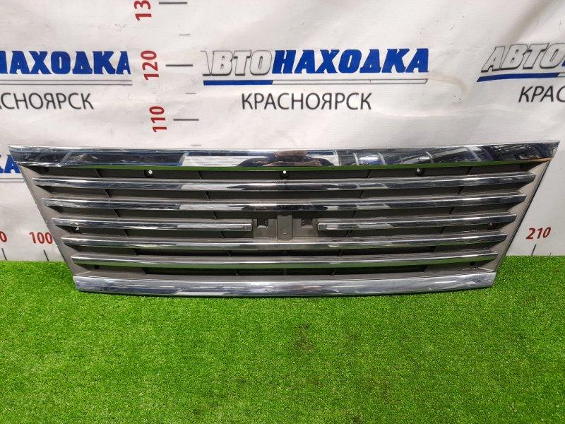 Решетка радиатора Nissan Caravan VWE25 ZD30DDTI 2001 Рестайлинг, без эмблемы.