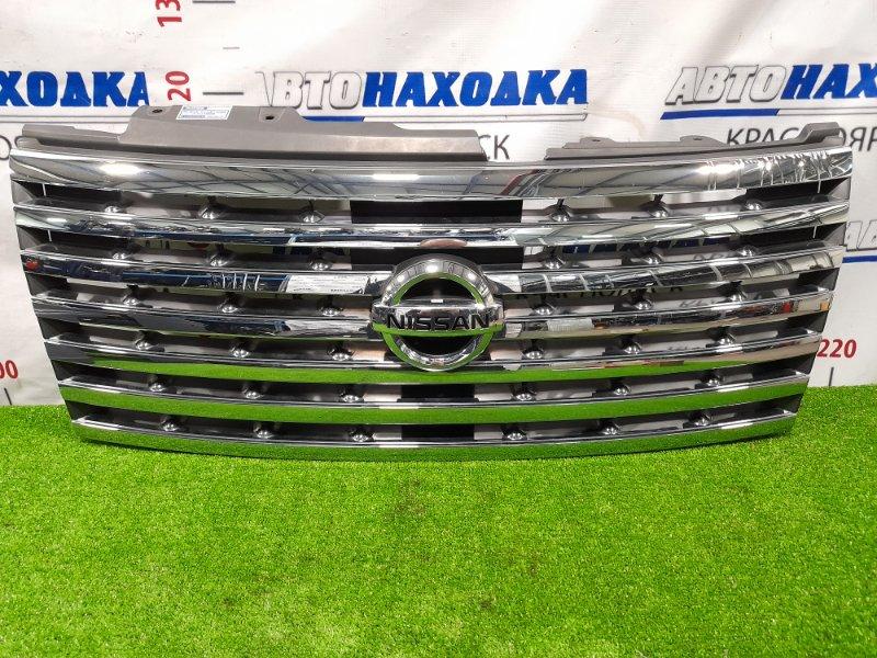 Решетка радиатора Nissan Elgrand E51 VQ35DE 2004 Рестайлинг. Дефект хрома.