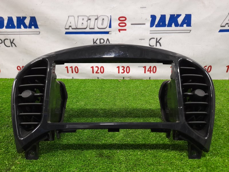 Консоль магнитофона Nissan Juke YF15 HR15DE 2010 с воздуховодами. В ХТС,