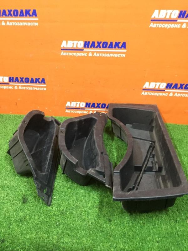 Пластик багажника Toyota Harrier MCU10 1MZ-FE ящик для инструментов
