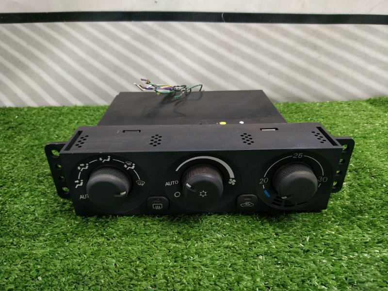 Климат-контроль Mitsubishi Pajero Io H76W 4G93 2000 2 модель, электронный на две фишки