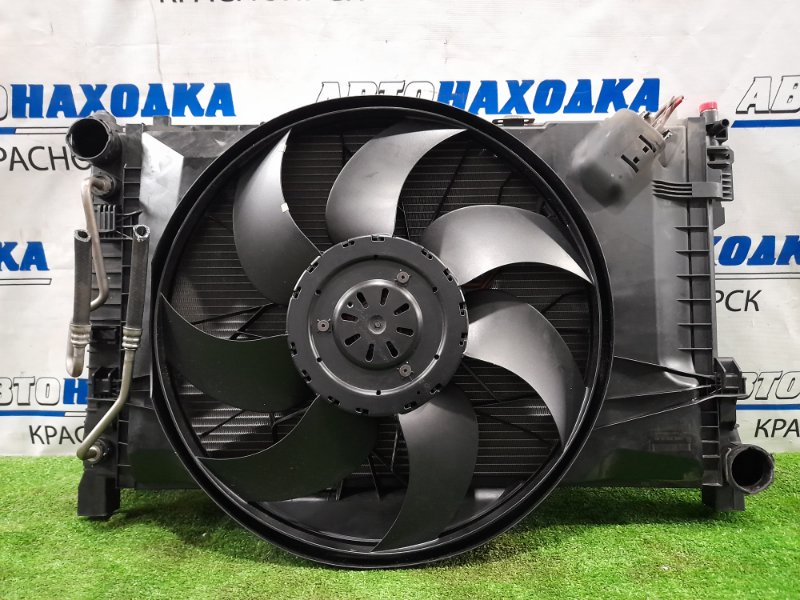 Радиатор двигателя Mercedes-Benz C200 W203 M271E18 2000 A2035003903 в сборе с диффузором, вентилятором