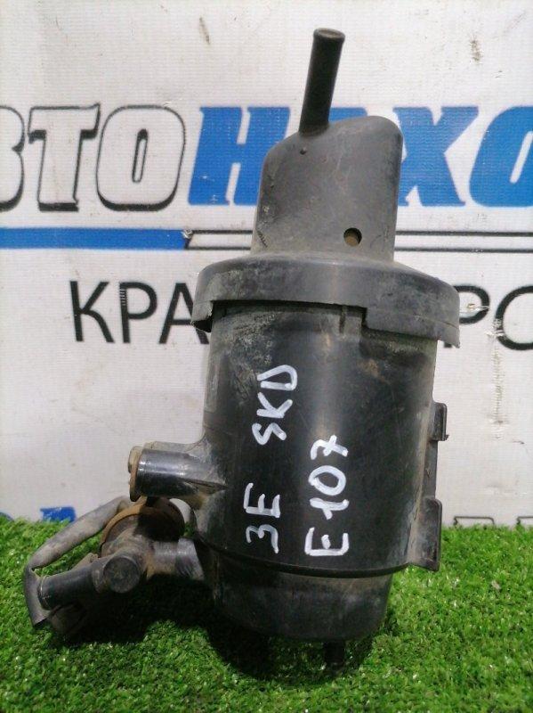 Бачок обратки топлива Toyota Sprinter EE107V 3E 1991 77704-42381 уловитель паров топлива (абсорбер)