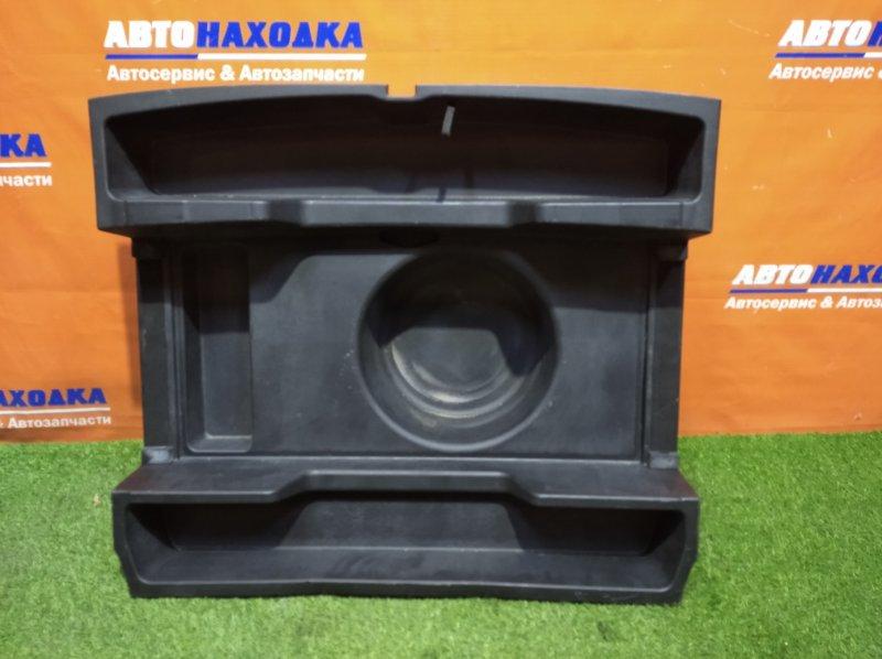 Ящик под инструмент Toyota Mark Ii Blit JZX110W 1JZ-FSE 2002 задний нижний средний ящик