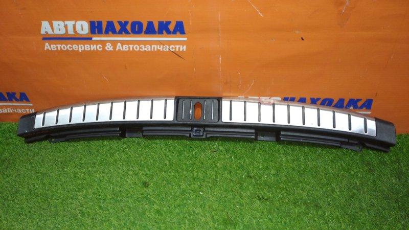 Накладка багажника Toyota Mark Ii Blit JZX110W 1JZ-FSE 2002 задняя нижняя багажника /есть вмятины
