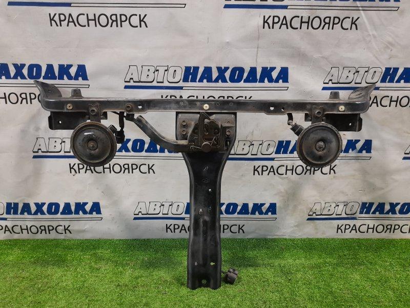 Рамка радиатора Hyundai Coupe GK G6BA 2002 верхняя верхняя часть, с замком и сигналами