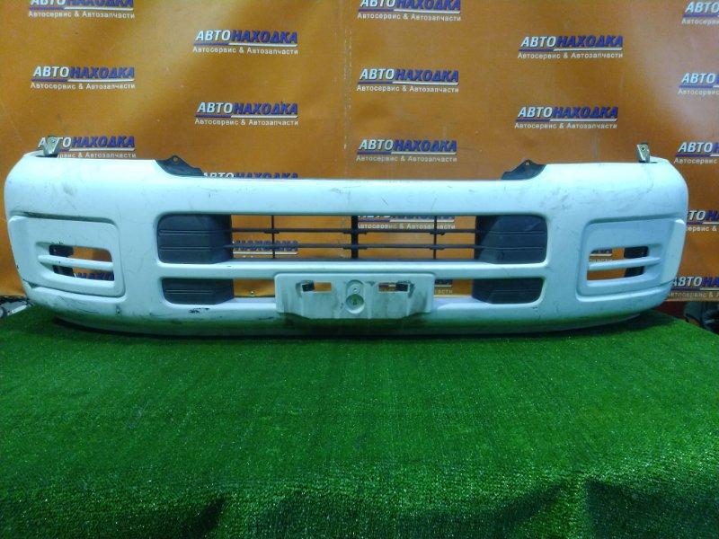 Бампер Nissan Caravan E25 KA20DE передний 62022-VX140