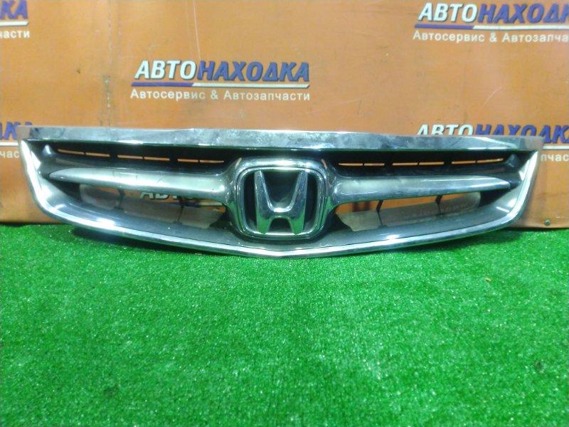 Решетка радиатора Honda Inspire UC1 J30A ВЕРХНИЕ КРЕПЛЕНИЯ СЛОМАНЫ