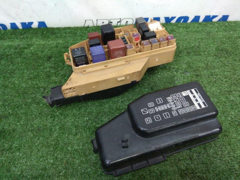 Блок предохранителей Toyota Starlet EP91 4E-FE 1995 блок предохранителей, подкапотный, с