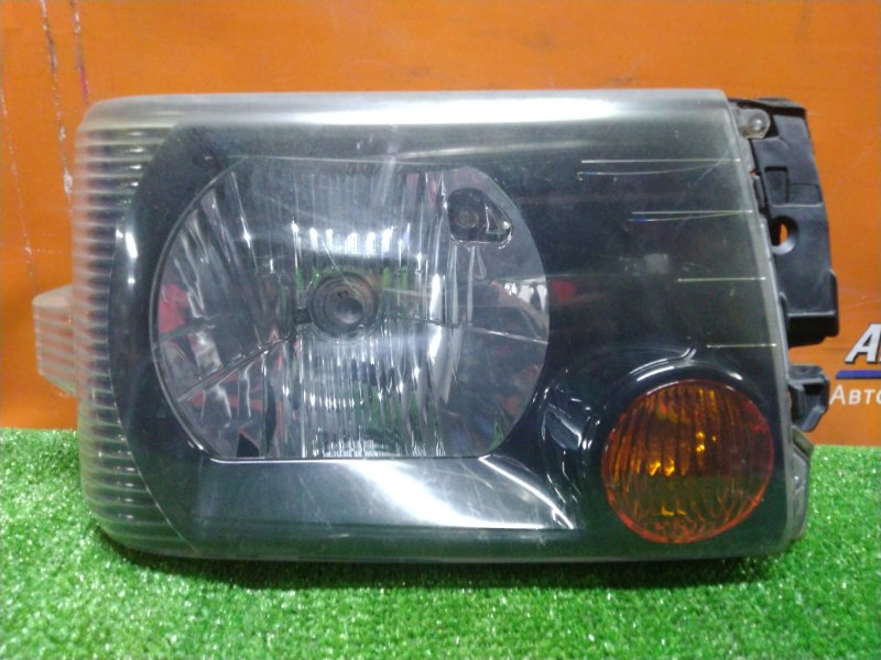Фара Nissan Clipper U71V 3G83 передняя правая P5701 ЧЕРНЫЙ ФОН. ГАЛОГЕН