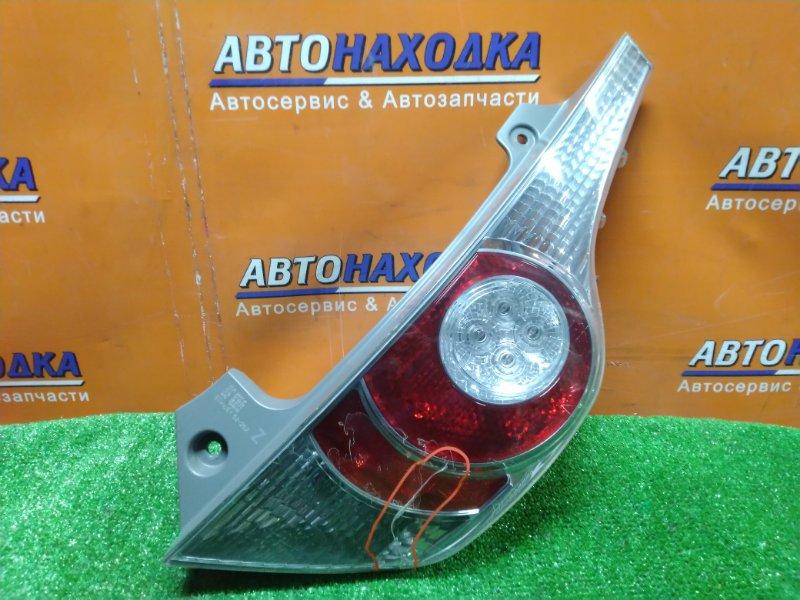 Фонарь задний Toyota Aqua NHP10 1NZ-FXE задний правый 52-252 ТРЕЩИНА НА СТЕКЛЕ