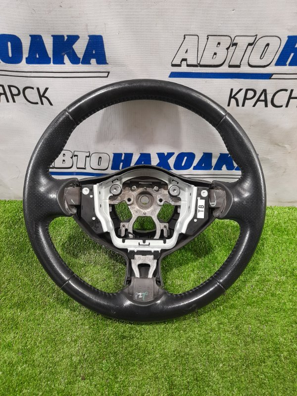 Руль Nissan Juke YF15 HR15DE 2010 без AIRBAG, кожа, есть потертости, дефект пластика.