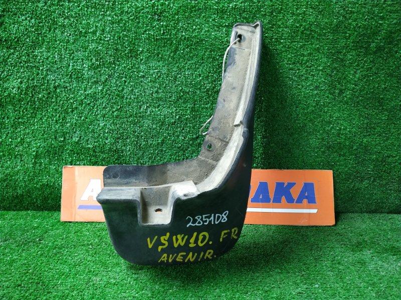 Брызговик Nissan Avenir VSW10 CD20 1990 передний правый 6385470N00, 6385476N00