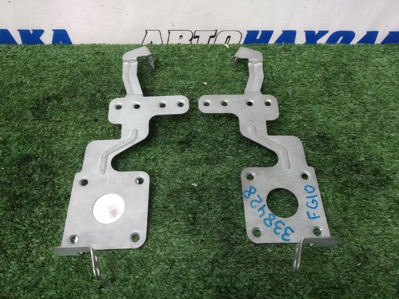 Крепление магнитофона Nissan Bluebird Sylphy FG10 QG15DE 2003 пара L + R