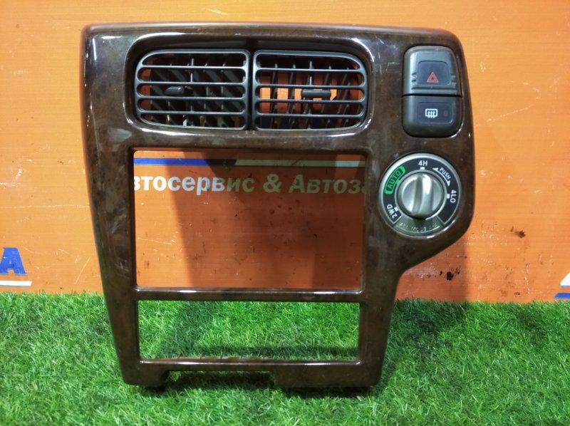 Консоль магнитофона Nissan Terrano Regulus JTR50 ZD30DDTI 1996 +блок упр. 4WD+кнопка аварийки и