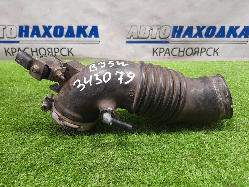 Патрубок воздушного фильтра Mazda Familia BJ5W ZL-DE 2000 гофра на дроссель