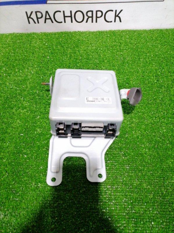Блок управления рулевой рейкой Honda Civic FD1 R18A 2005 Блок управления рейкой EPS