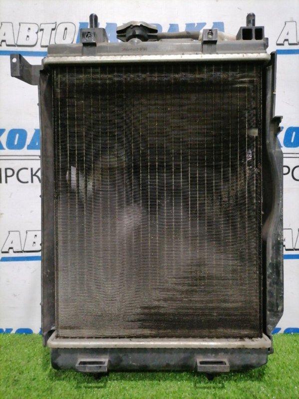 Радиатор двигателя Daihatsu Mira E:s LA300S KF 2011 С трубками охлаждения АКПП , диффузором,