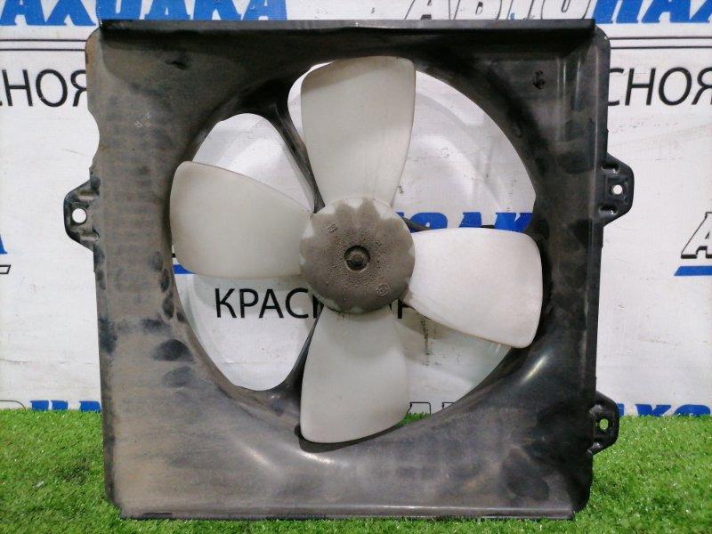 Вентилятор радиатора Toyota Carina AT212 5A-FE 1996 передний правый 16361-64010 На радиатор
