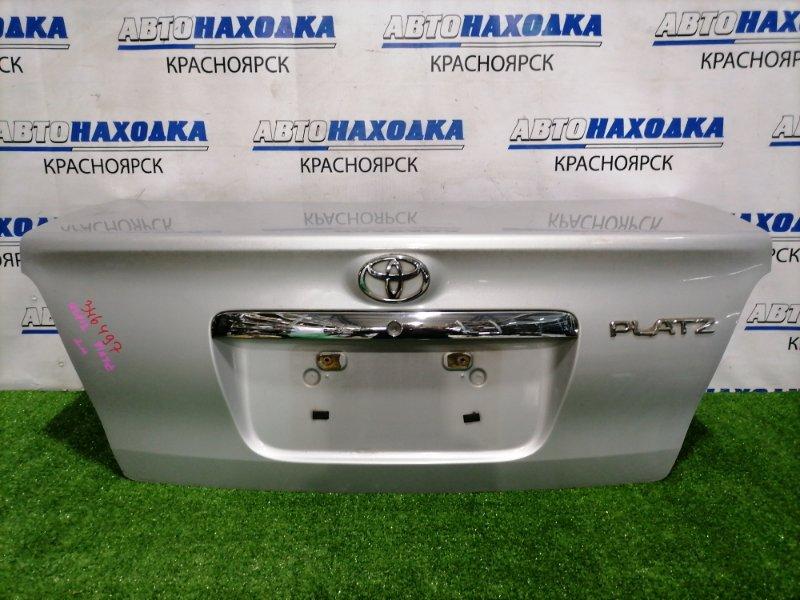 Крышка багажника Toyota Platz NCP12 1NZ-FE 2002 задняя Рестайлинг, есть потертости под полировку