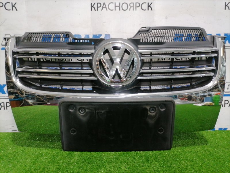 Решетка радиатора Volkswagen Golf 1K5 BLR 2003 передняя 1K5853651 Дефект хрома. GOLF 5 универсал/ JETTA
