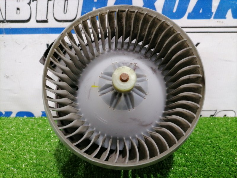 Мотор печки Honda Freed GB3 L15A 2008 2 контакта. Правый руль