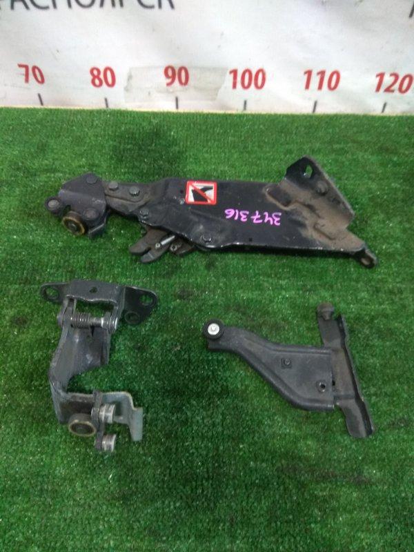 Ролик раздвижной двери Mazda Premacy CWEFW LF-VDS 2010 задний правый C513-72-2A0B, C513-72-2B0B комплект 3