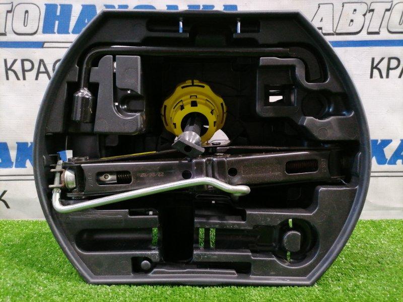 Домкрат Peugeot 207 WC EP6 2007 набор: емкость под инструмент, домкрат, балонник (17),