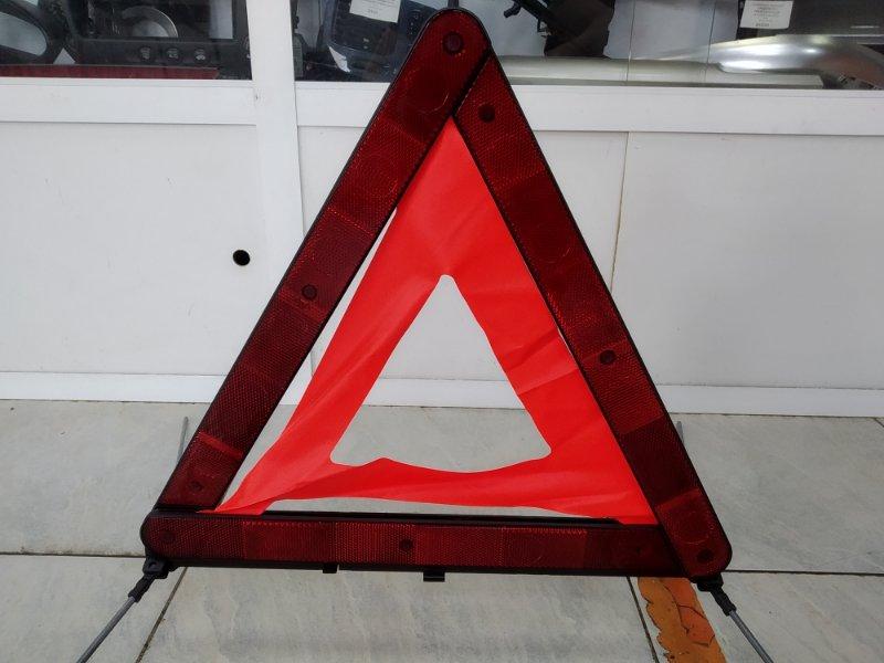 Знак аварийной остановки Mercedes-Benz A160 W168.033 M166 E16 1997 штатный, в кейсе