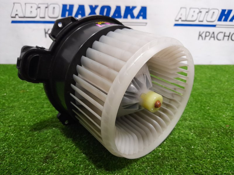 Мотор печки Daihatsu Move LA100S KF-VE 2010 С фишкой, 2 контакта
