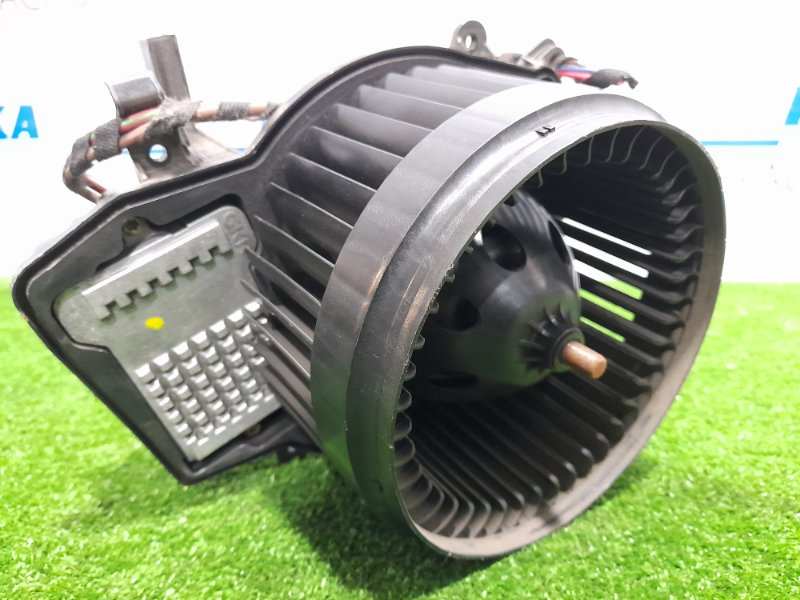 Мотор печки Mercedes-Benz C200 W203 M271E18 2004 правый руль, со встроенным реостатом, 4 контакта
