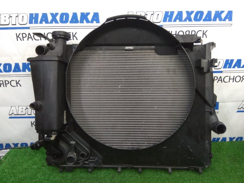 Радиатор двигателя Bmw 320I E46 M52 B20TU 1998 A/T, с дифузором и расширительным бачком, пробег