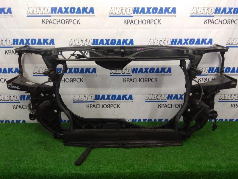 Рамка радиатора Audi A4 B7 ALT 2004 пластиковая, с замком капота